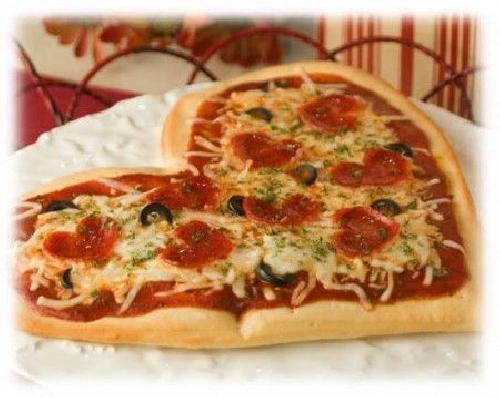 Ricetta Pizza di San Valentino a forma di cuore Foto