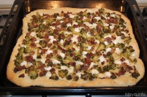 Ricetta pizza rustica con Salsiccia e Broccoli Foto