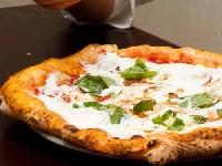 Dopo la pizza ai Quattro formaggi, arriva quella ai Quattro latti di Gino Sorbillo Foto
