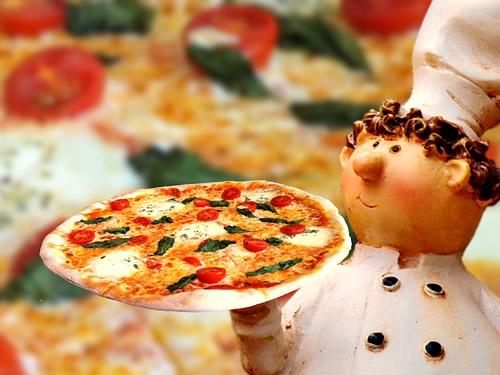 La pizza da Guinness World Record è a Napoli Foto